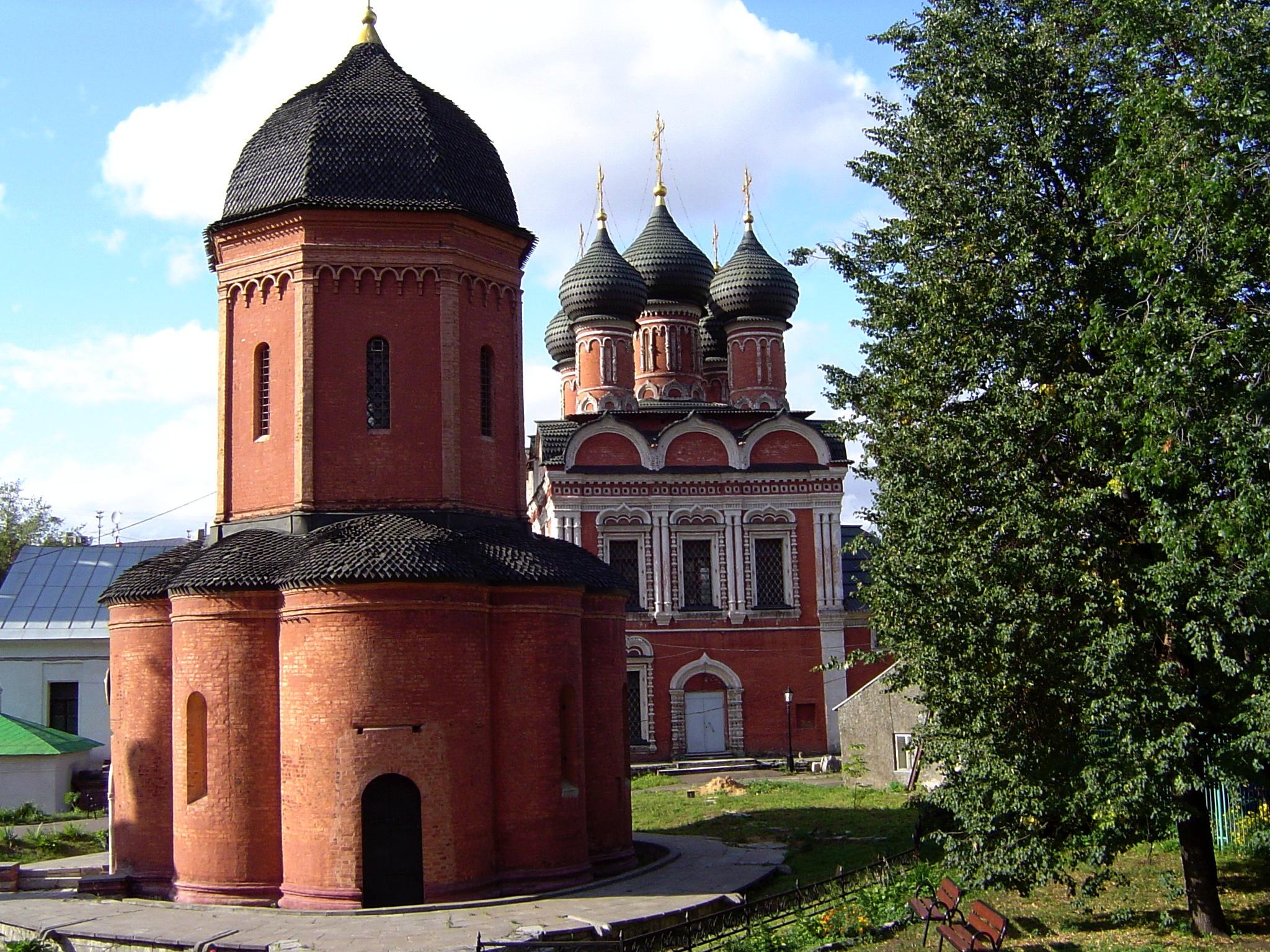 Moscow: the monastery Vysoko Petrovskij...