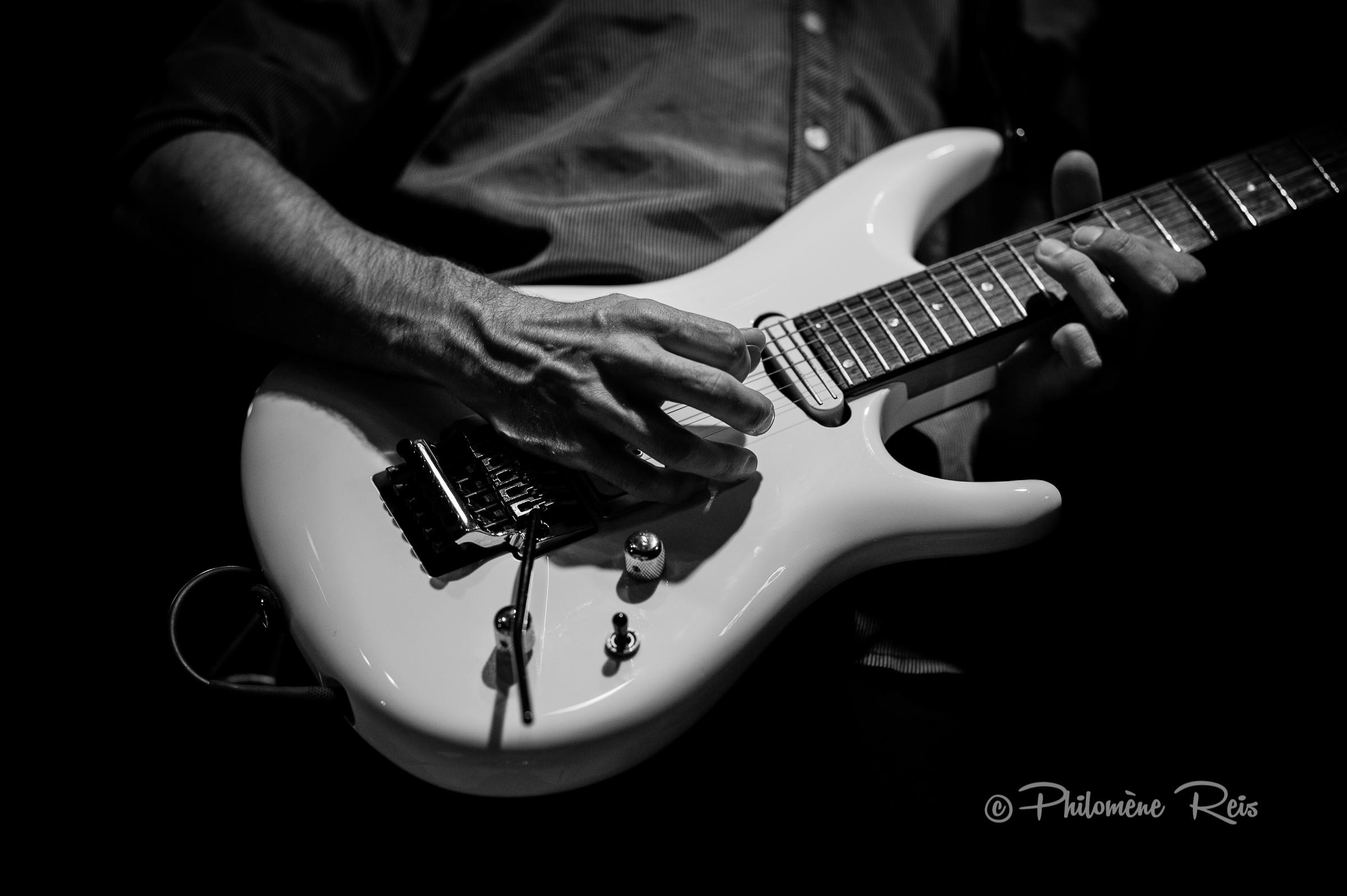 Axess Musik-Matthieu-Guitars...