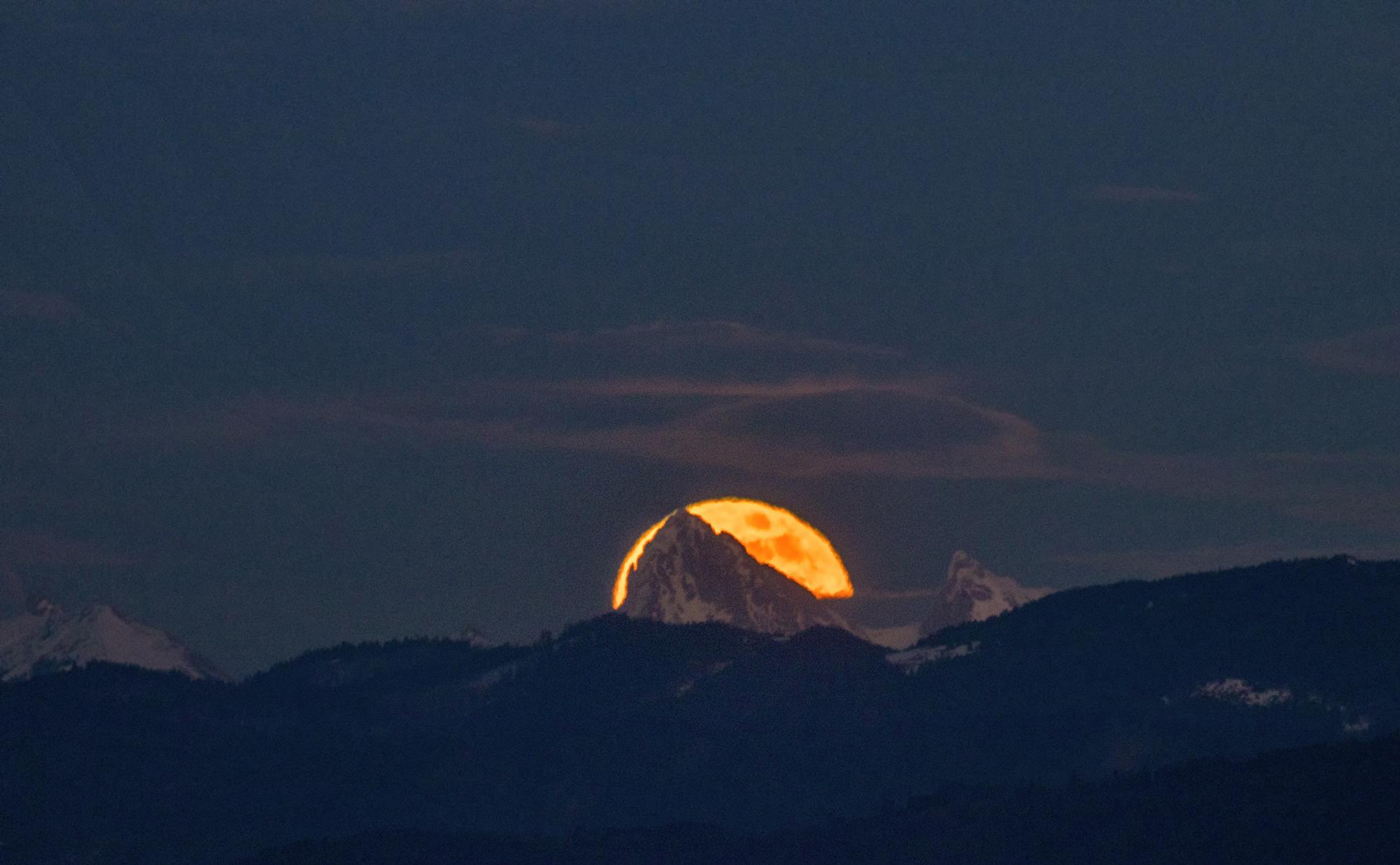 moonrise...