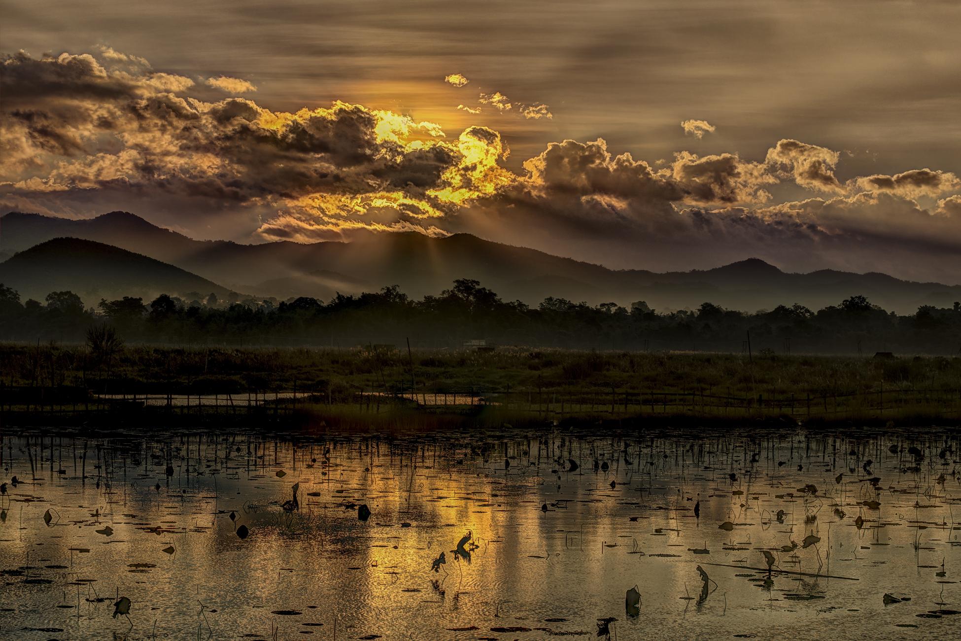 sunrise on Inle Lake...