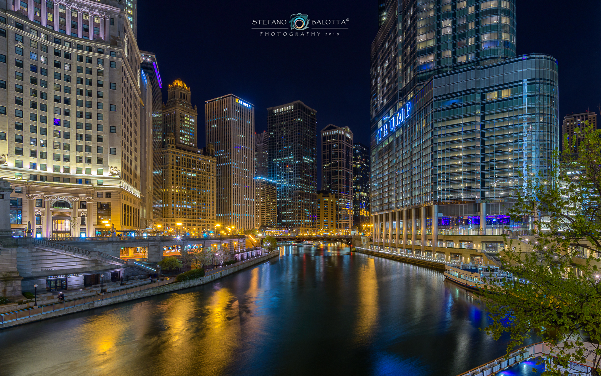 Chicago River...