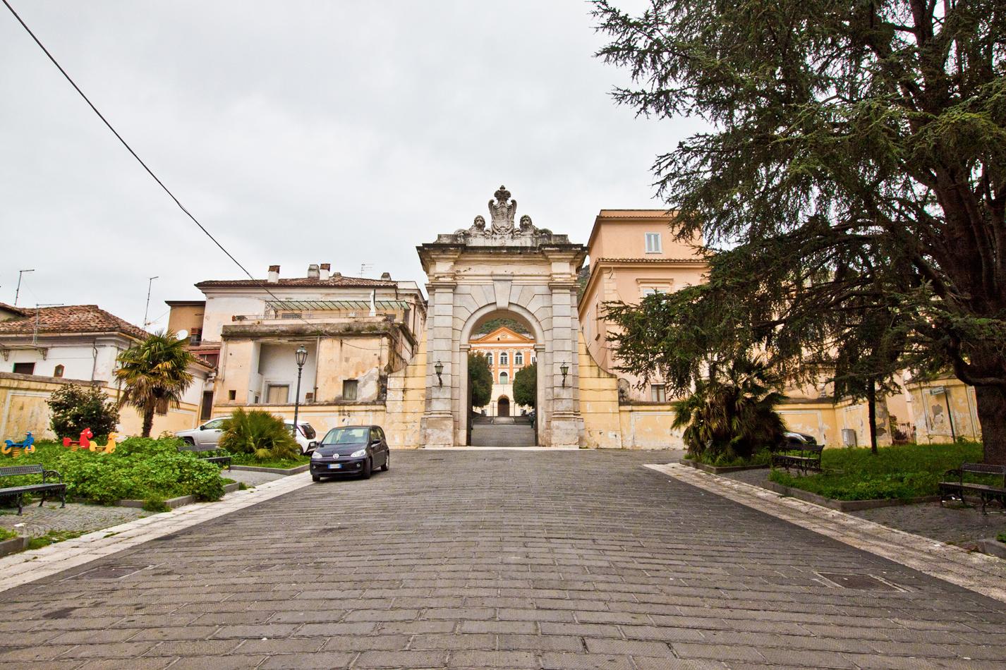 Ferdinandopoli (Main entrance)...