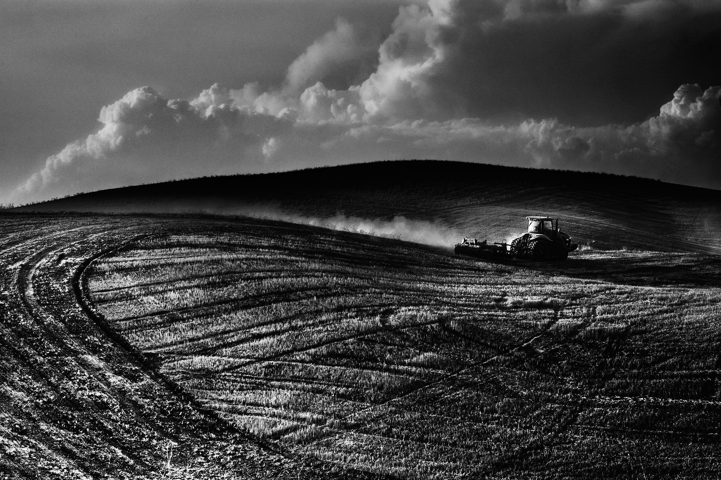 Lights and shadows in Val D'Orcia...