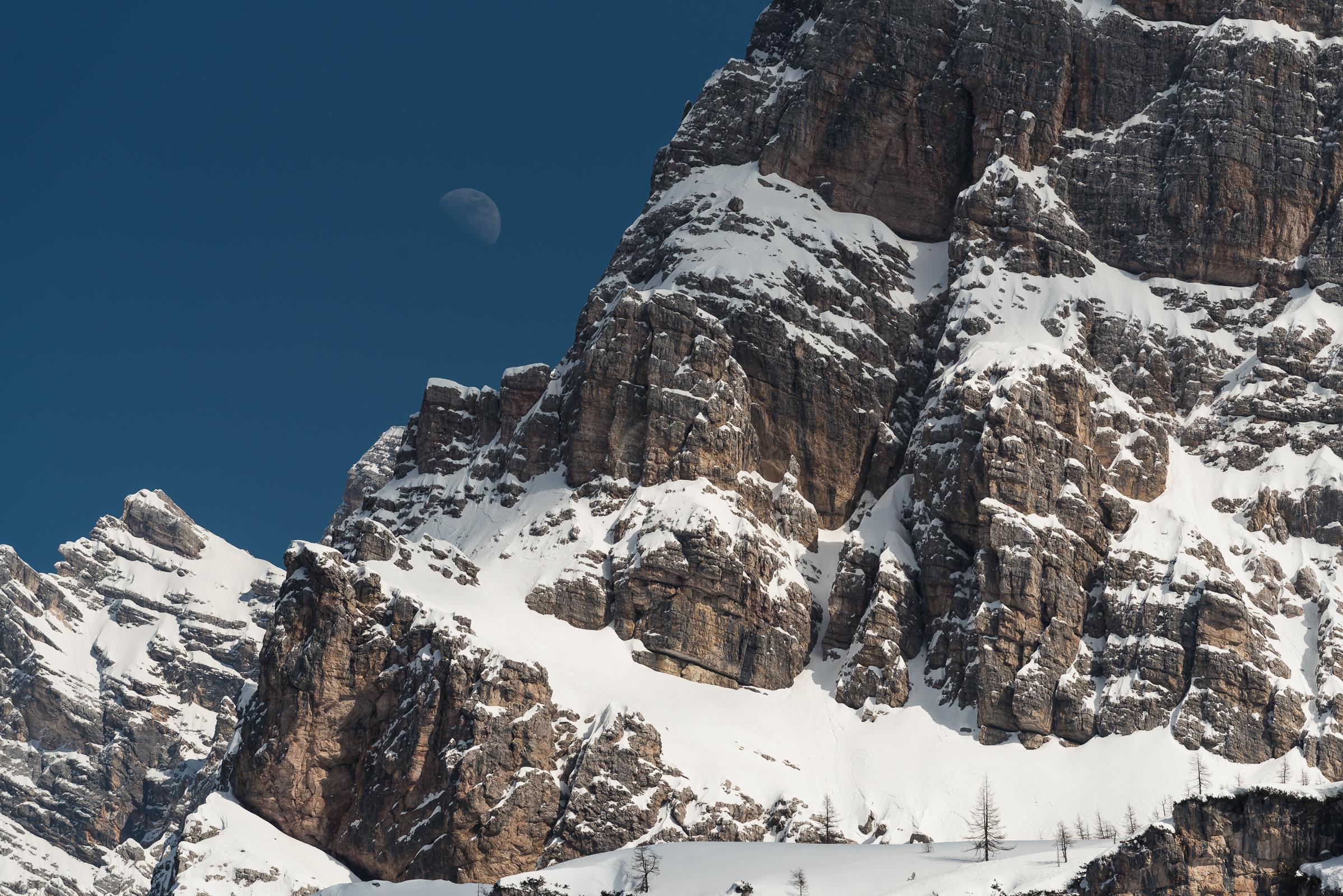 The Moon by day, Monte Pelmo, Dolomiti zoldane (BL)...
