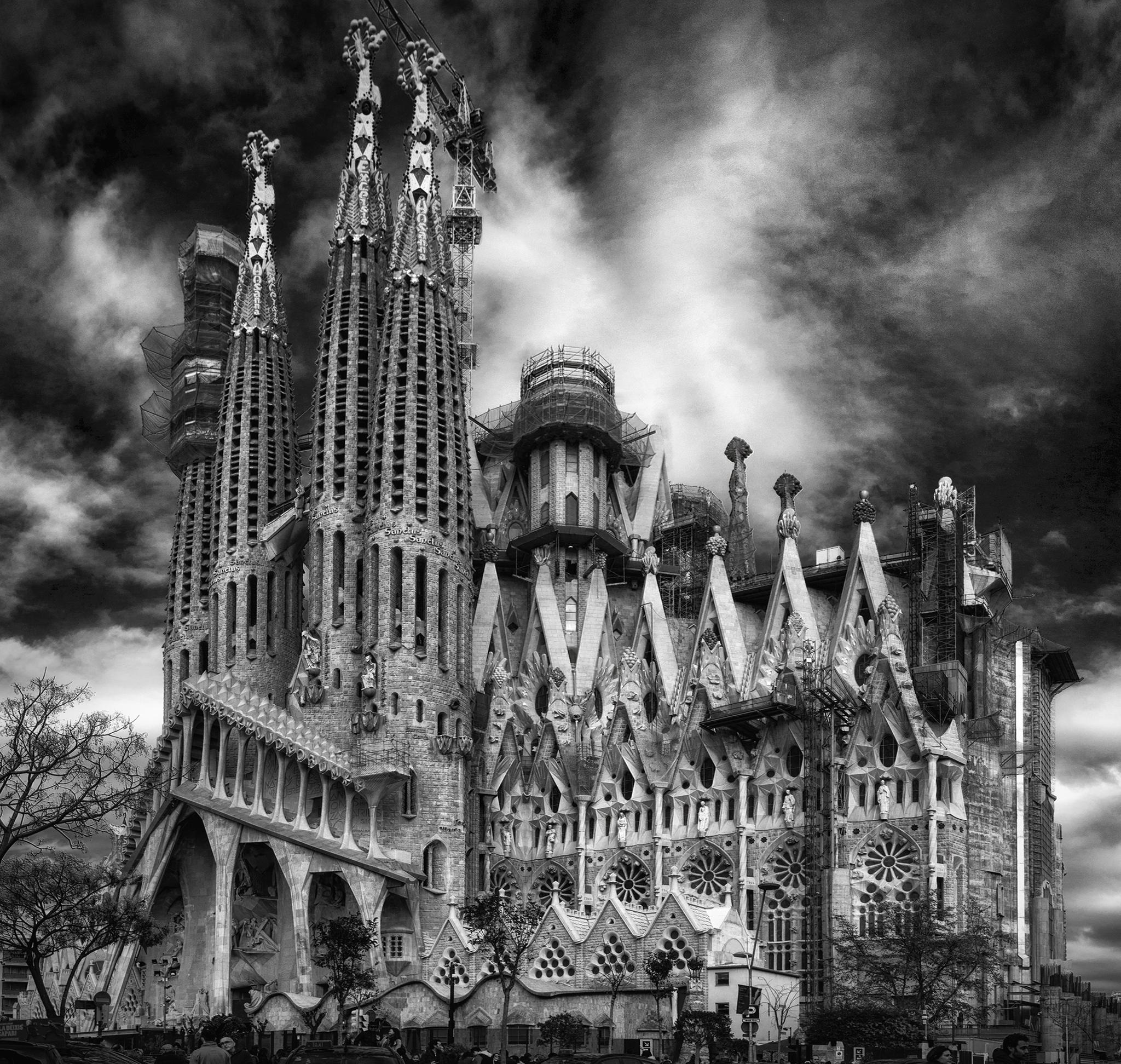 Sagrada Familia in B&W...