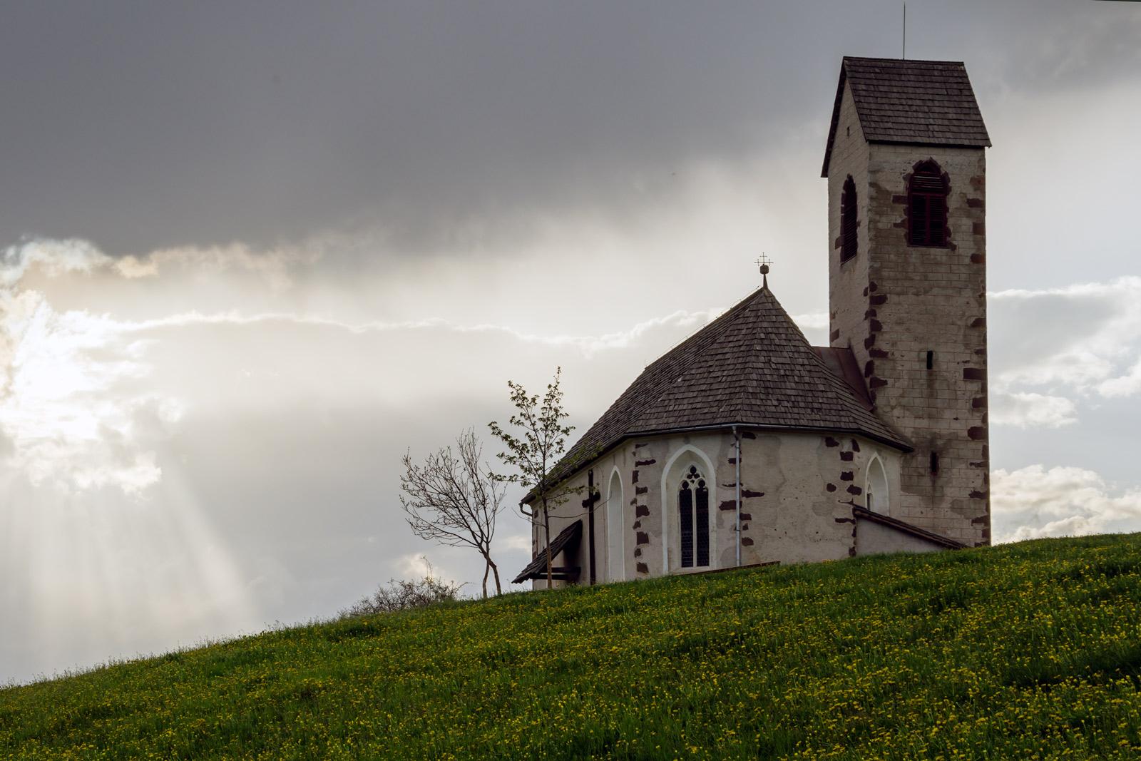 Val di Funes-Church of St. James...