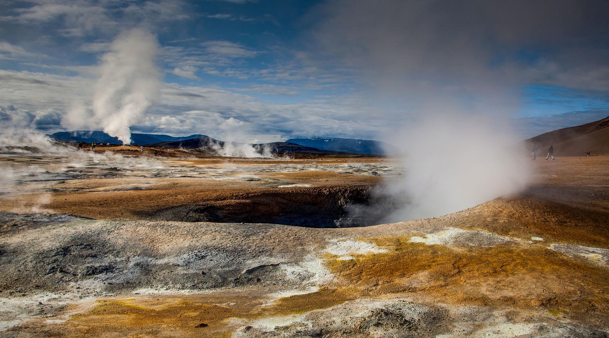 Geyser-Iceland...