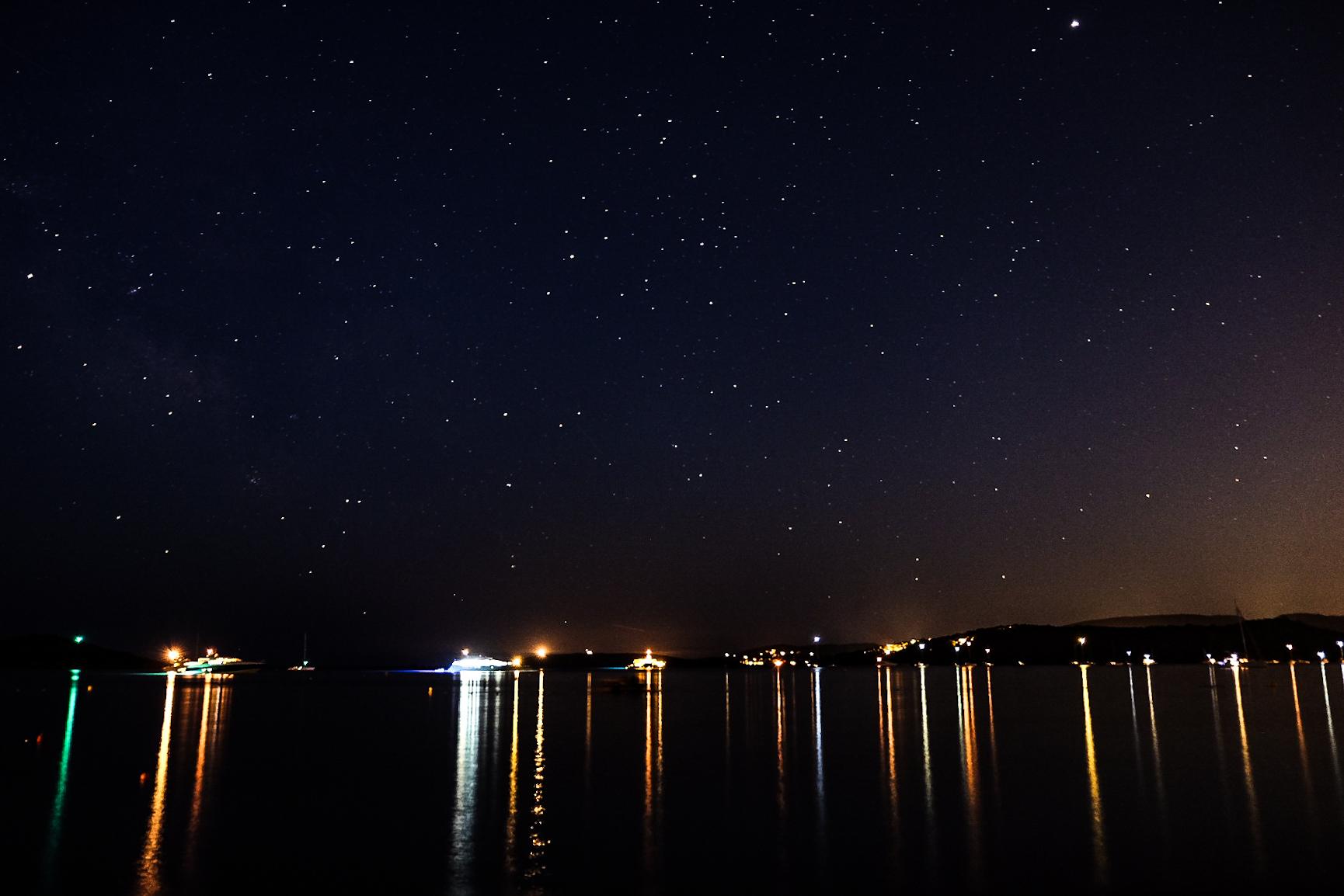 The stars ran to Arasu...