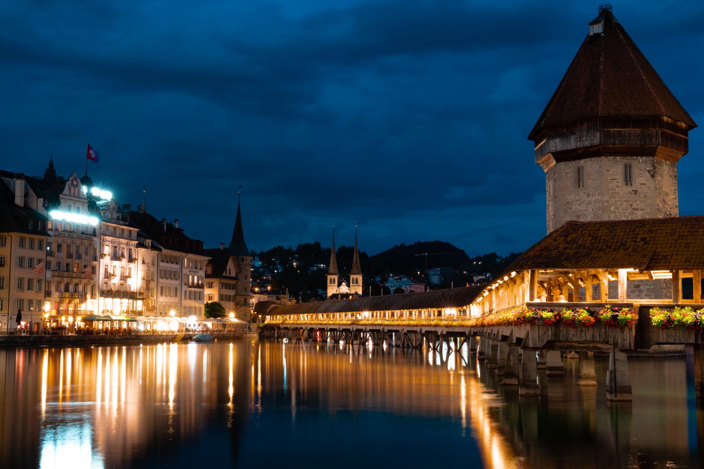 kapellbruche by night ( luzern)...
