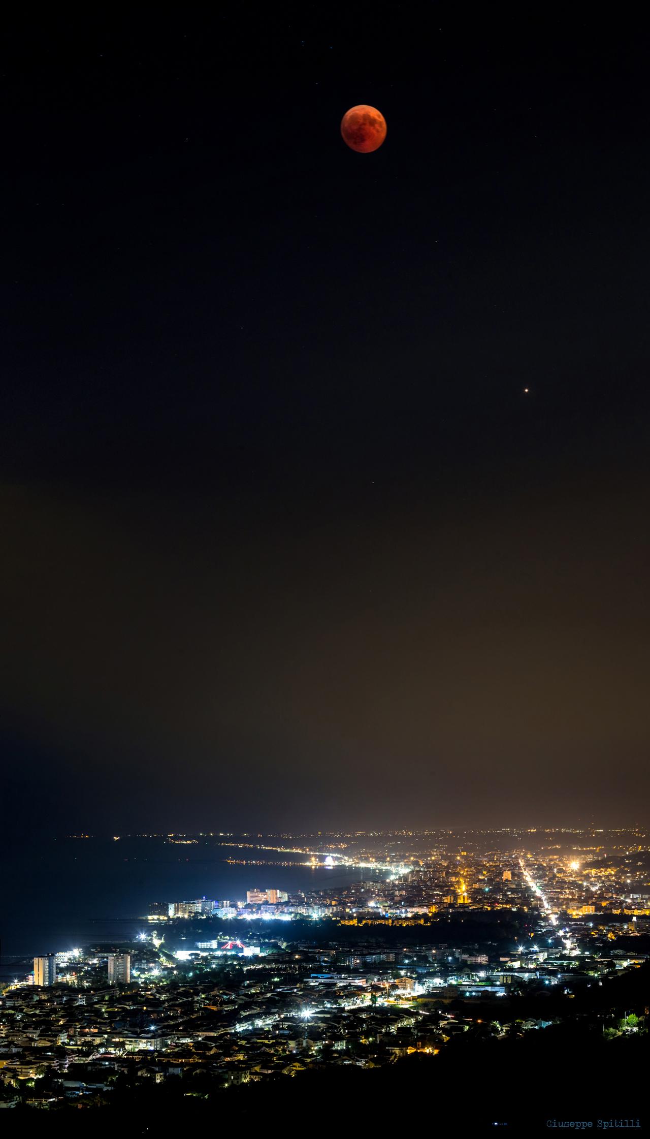 Lunar Eclipse on the Pescara...