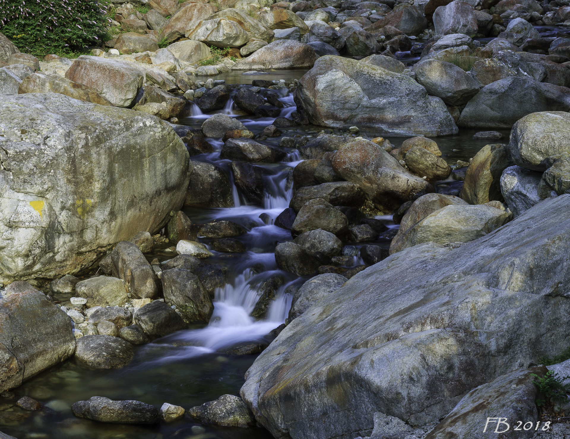 Flowing water does not bring poison!...