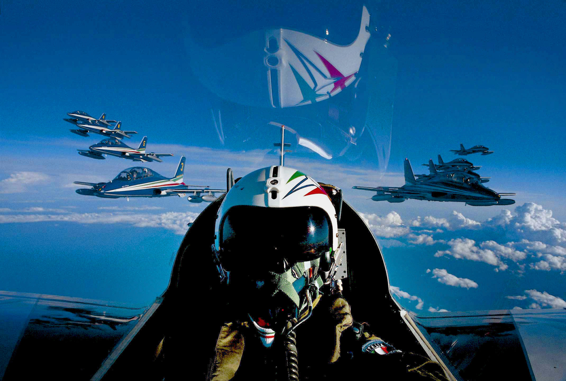 Formation of 10 aircraft MB339 PAN Frecce Tricolori...