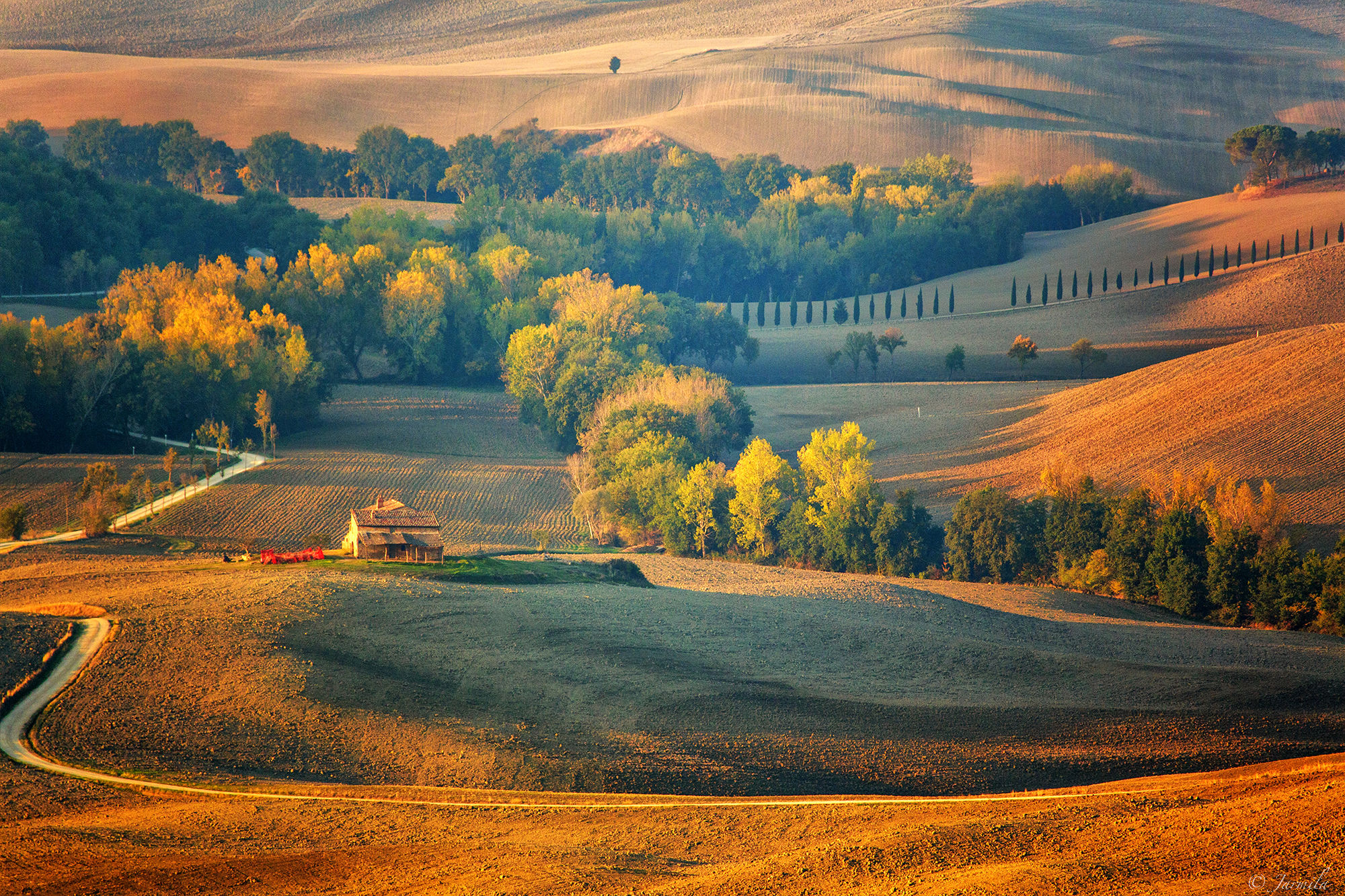 Enchantment of the Val d'orcia between silence and nature...
