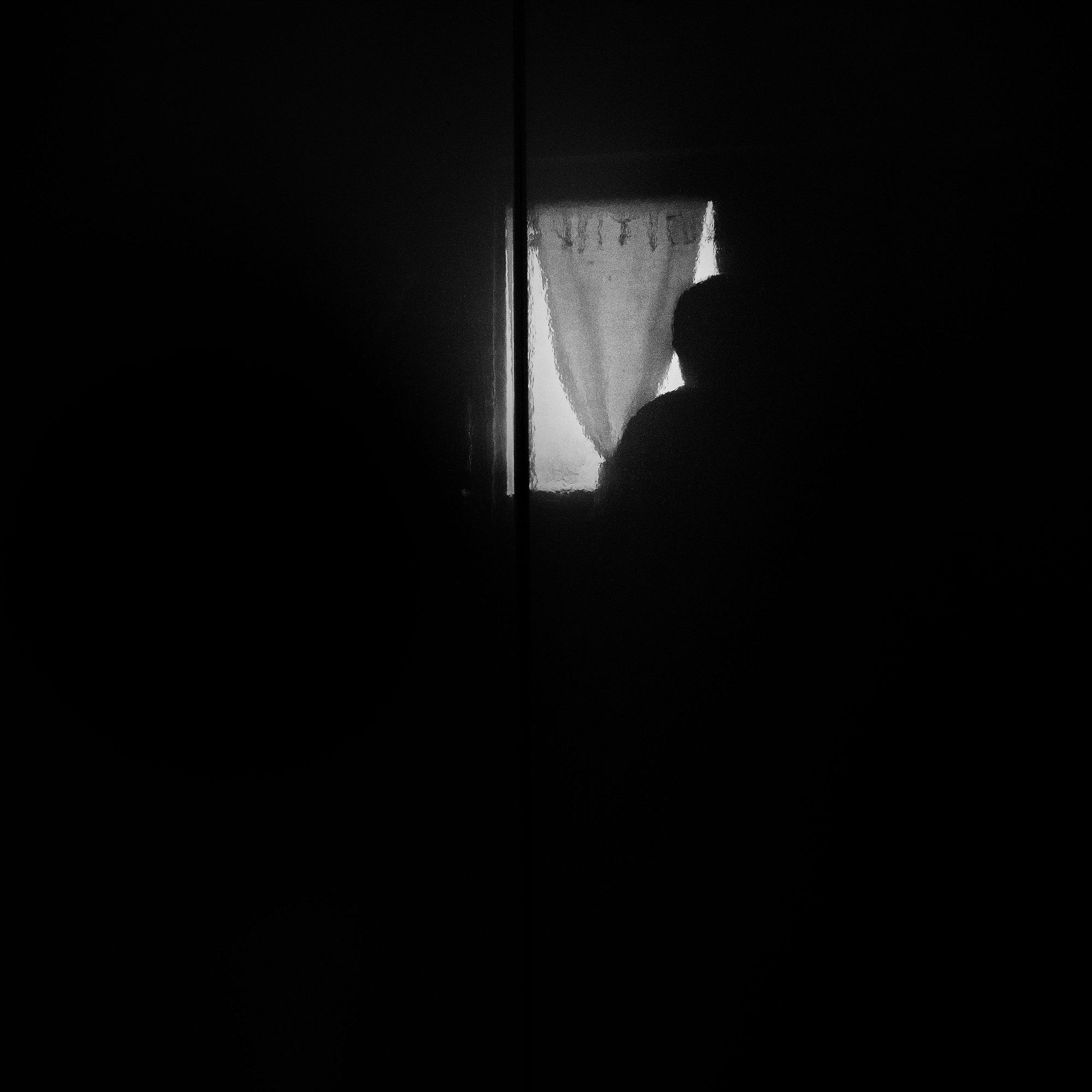 Nell'ombra la pioggia...